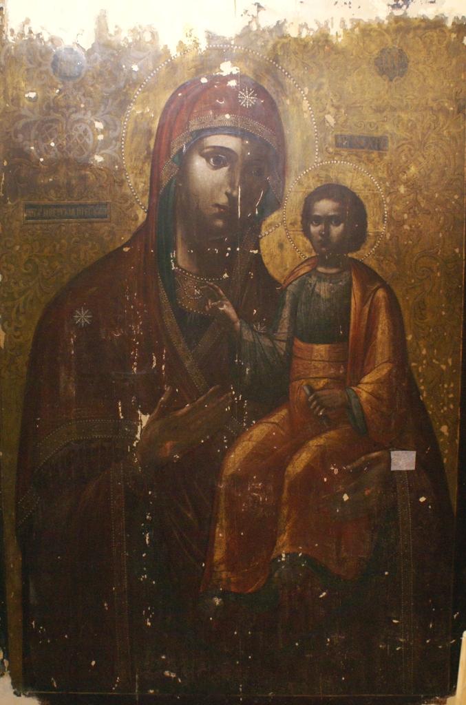 Чудотворную икону Иверскую передают на реставрацию