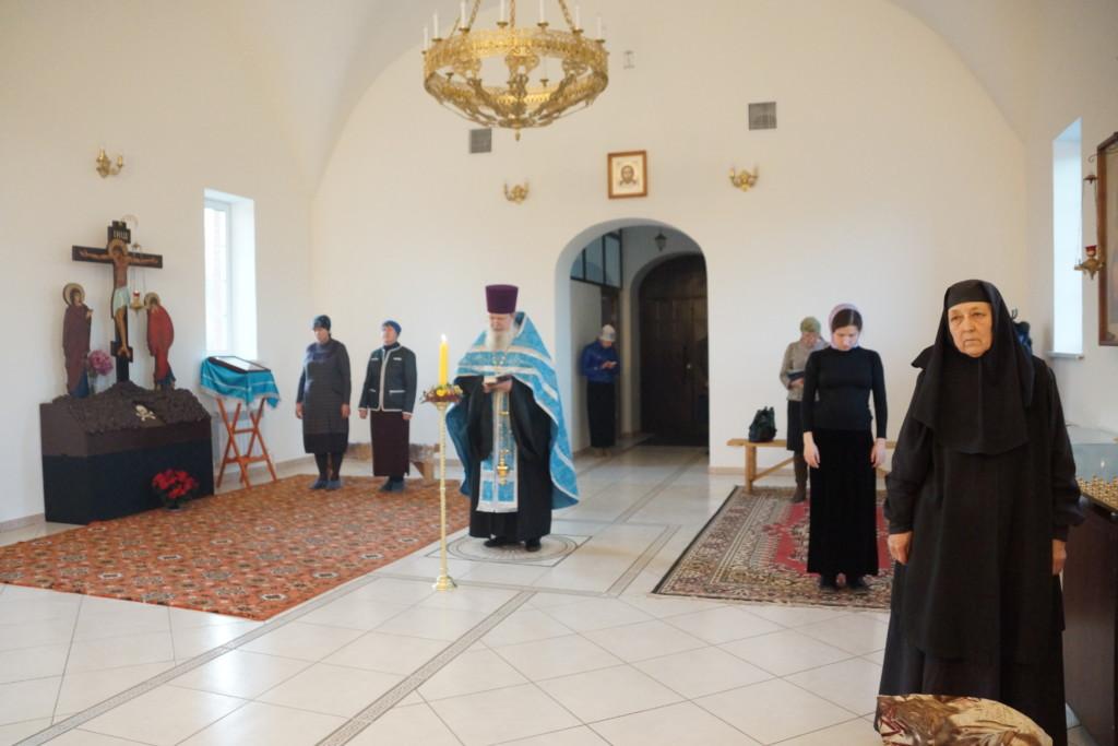 Праздничная служба на Казанскую икону Божьей Матери