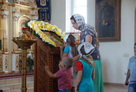 Престольный праздник — день памяти Владимирской иконы Божьей Матери