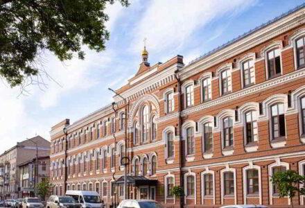 Саратовская православная духовная семинария объявляет о приёме документов на дополнительный набор абитуриентов